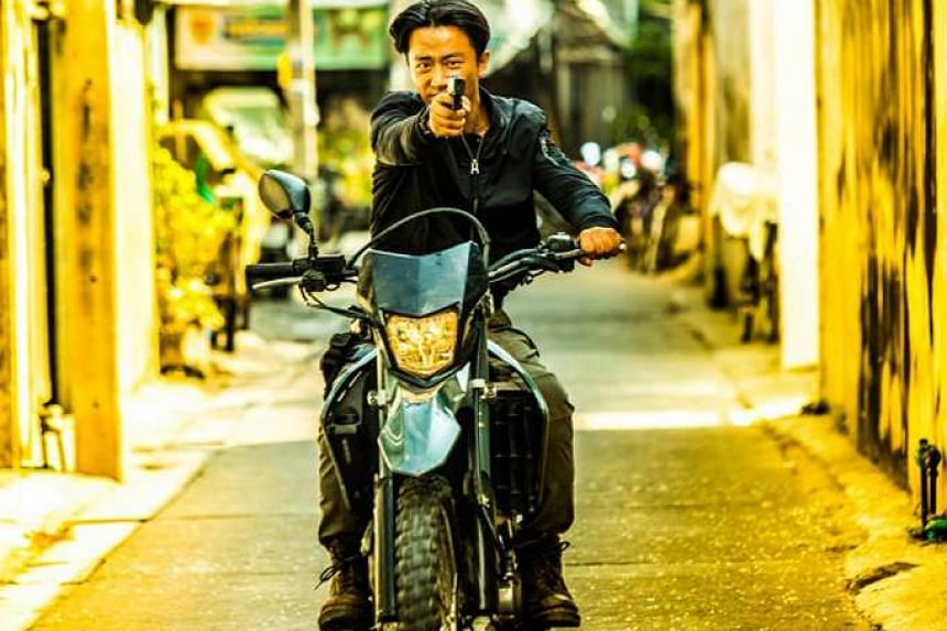 Huang Xuan plays a supercop who is adept at riding bikes in Extraordinary Mission.