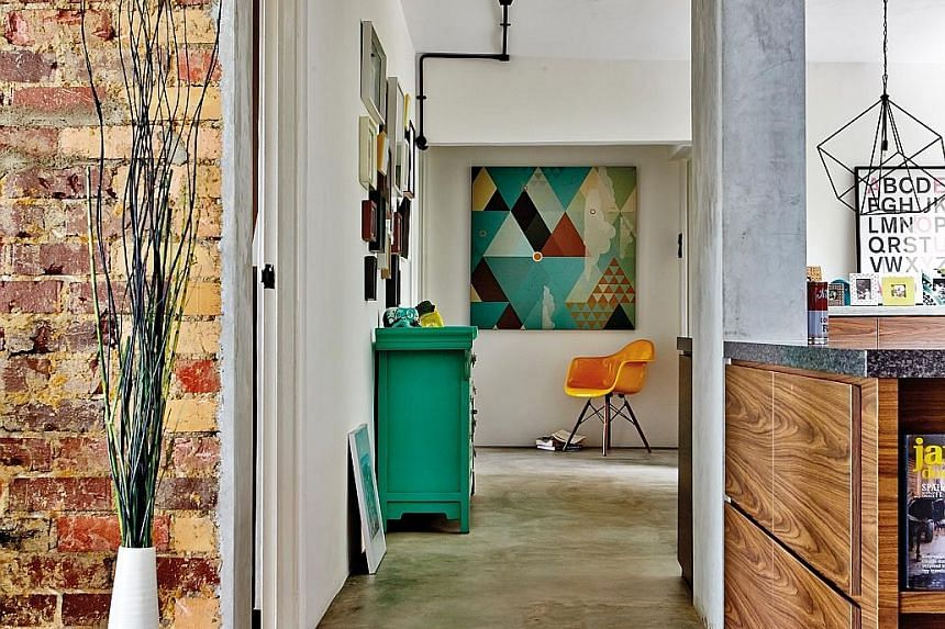 Experts Say Visual Breaks For Patterned Wallpaper Home