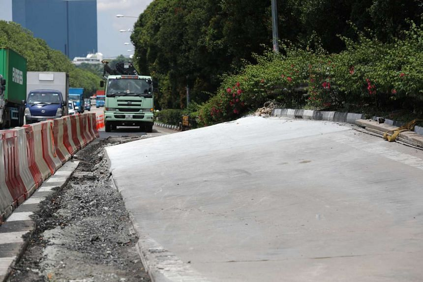 A water pipe leak in Jurong has caused part of the AYE to heave up to about 1 metre at its highest point.