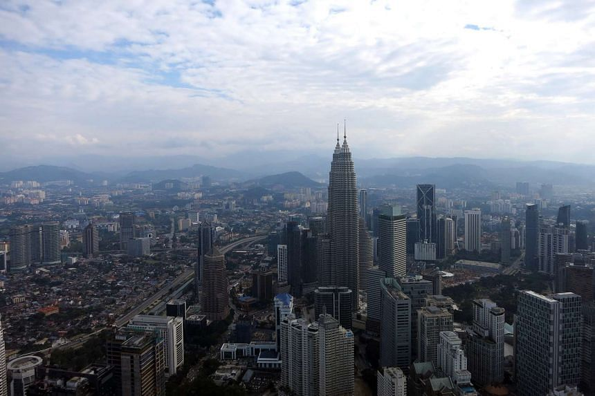Malaysian Prime Minister Najib Razak said that the plan for Vision 2020, to ensure the country attains developed nation status by 2020, is proceeding according to schedule.
