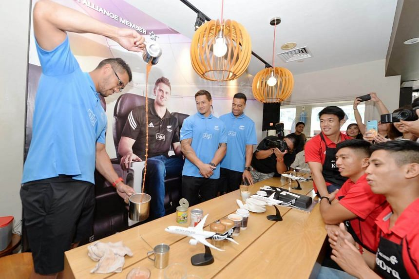 Iopu Iopu-Aso of the All Blacks show his skills preparing teh tarik during the Coffee with the All Blacks and Singapore Sevens stars event held at Baker & Cook, on April 12, 2017.