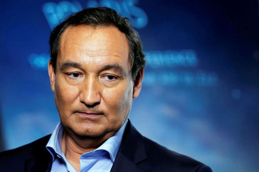 United Airlines chief executive Oscar Munoz in a 2016 file photo.