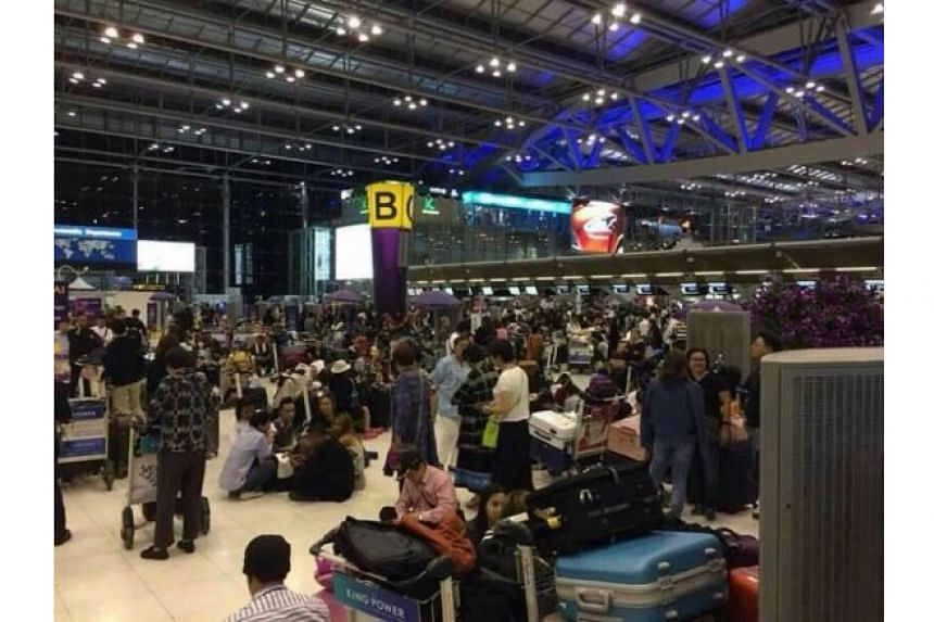 Scammed travellers who thought they snagged a good deal on a Japan trip were left stranded at the Suvarnabhumi Airport on April 11, 2017.