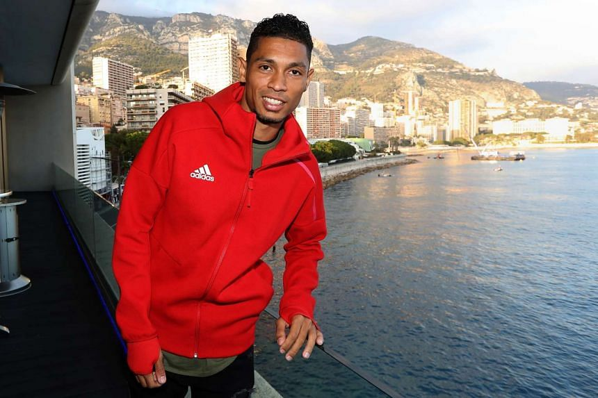 South African athlete Wayde van Niekerk could follow in Michael Johnson's footsteps in winning the 200m and 400m at the same world championships.
