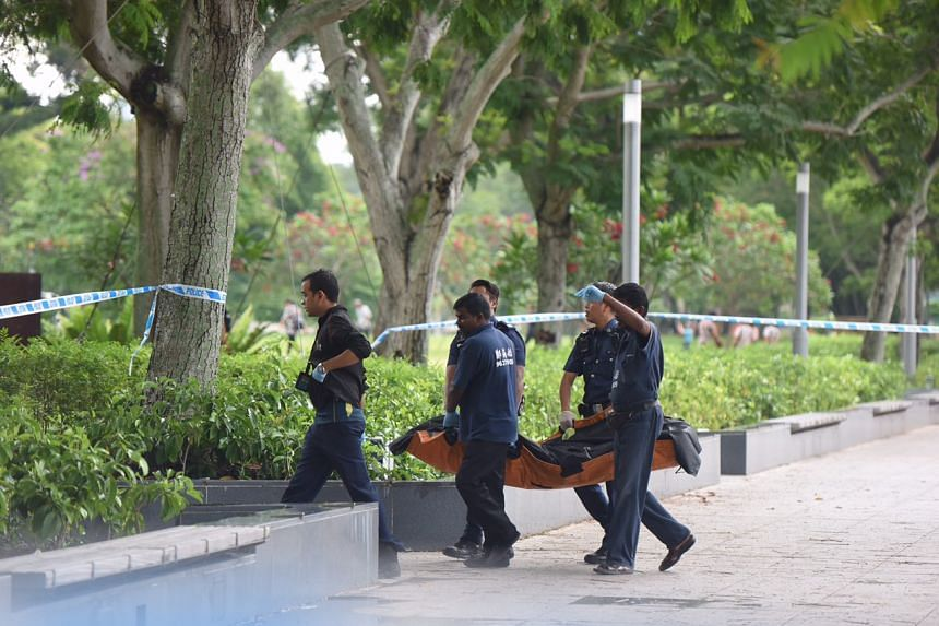A dead body was found on Thursday (April 13) morning in the Singapore River.