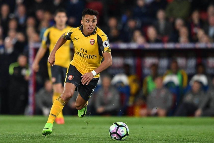 Arsenal's Chilean striker Alexis Sanchez during the English Premier League football match between Crystal Palace and Arsenal at Selhurst Park in south London on April 10, 2017.