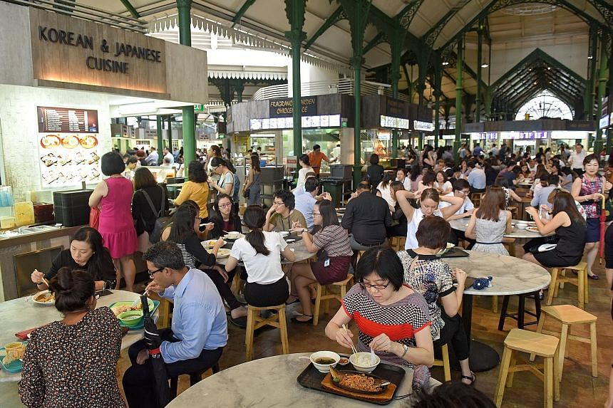Large circular tables at hawker centres take up considerable floor space but provide lower seating capacity. The use of square or rectangular tables in a linear layout would be more space-efficient, said the writer.