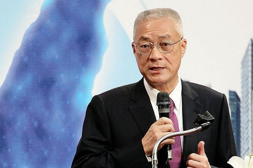 """Former Taipei mayor Hau Lung-bin at a anti-nuclear event last December. He says the KMT is going """"downhill"""" and the public is unhappy with the current situation in Taiwan. Ms Hung Hsiu-chu's openly pro-unification stance worries some party leaders at"""