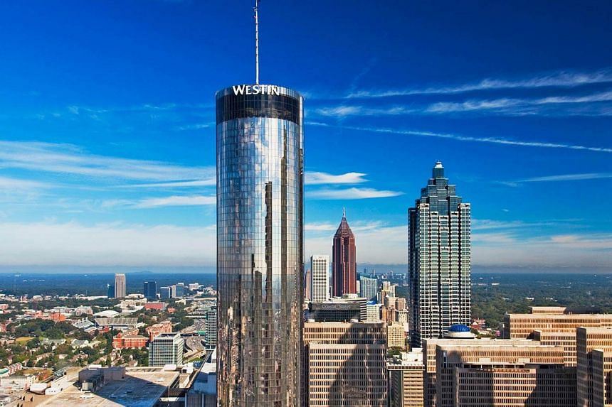 The Sun Dial is on the 72nd floor of the Westin Peachtree Plaza hotel in the US city of Atlanta.
