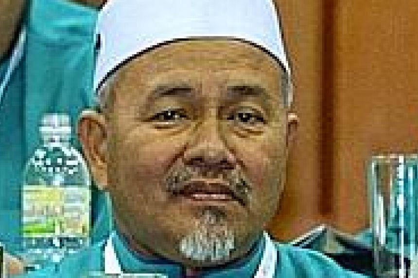 Datuk Tuan Ibrahim is still deputy president. Datuk Seri Hadi keeps his post as PAS president.