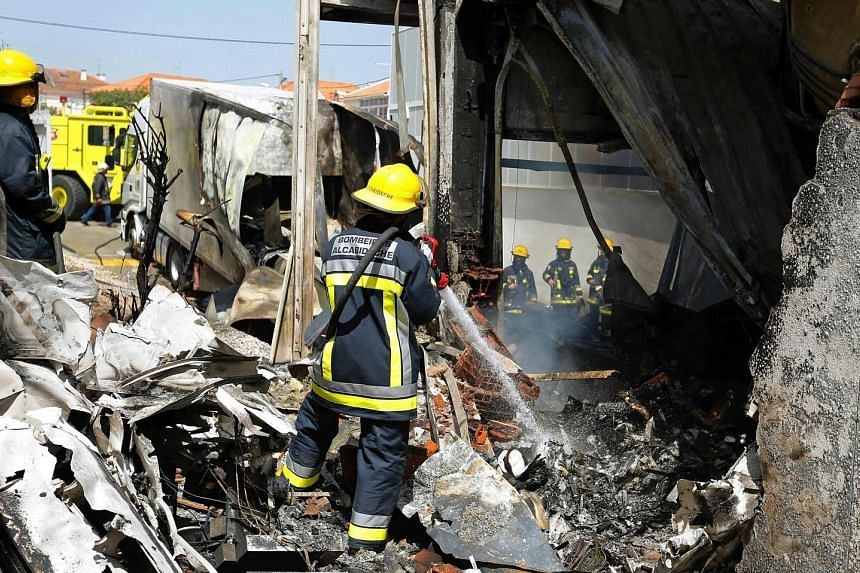 Five people died when a Swiss-registered light aircraft crashed into a supermarket warehouse in Lisbon, Portugal. The twin-engine Piper PA-31 had just taken off on a flight to Marseille on Monday when it crashed, hitting a truck parked at the warehou