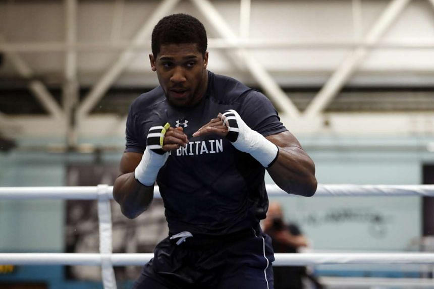 Brit boxer Anthony Joshua will face Wladimir Klitschko but says he would rather be facing former champion Tyson Fury.