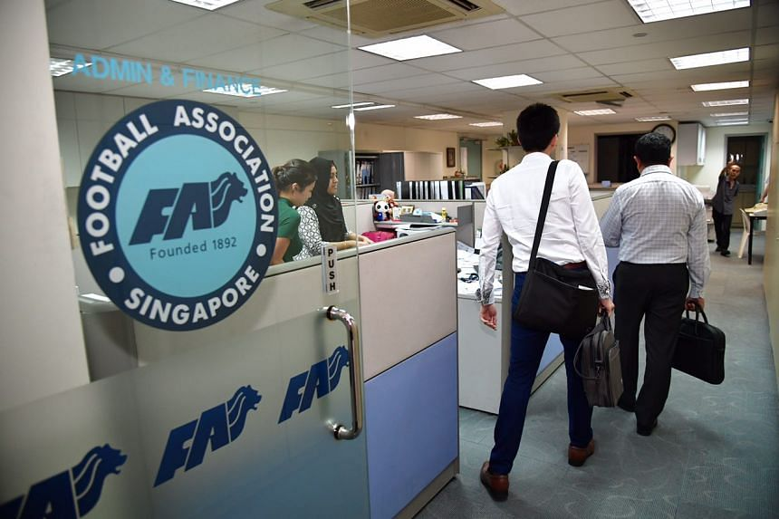 Police officers were seen entering the offices of FAS on April 20, 2017.