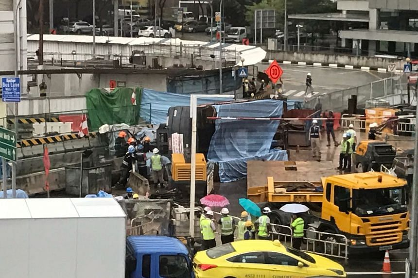 A crane toppled over at a work site along Outram Road on Tuesday (April 25) afternoon, but there were no reports of anyone trapped or injured.