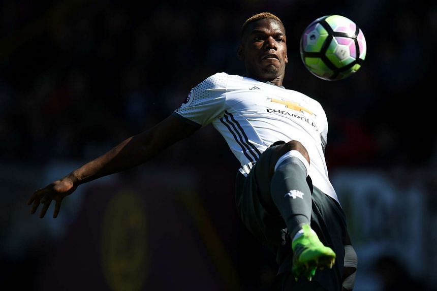 Pogba plays the ball during the match against Burnley on April 23, 2017.