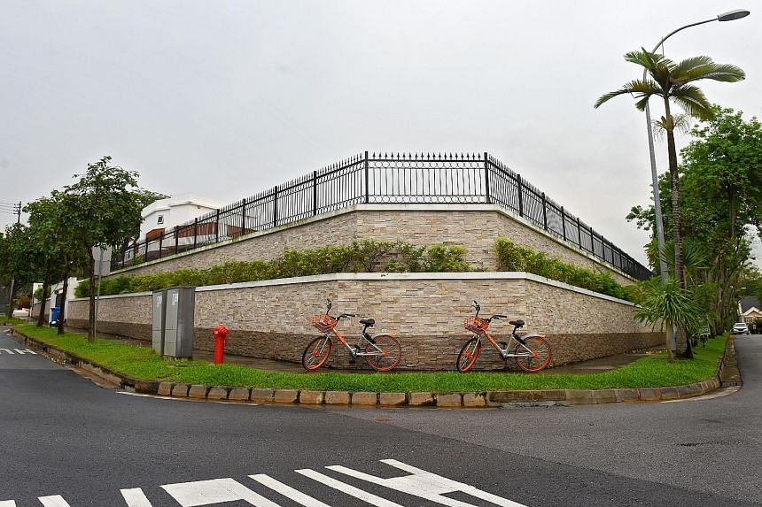 The two-tier wall surrounding Koh Wee Meng's house that sits at the junction of Toh Crescent and Toh Avenue.