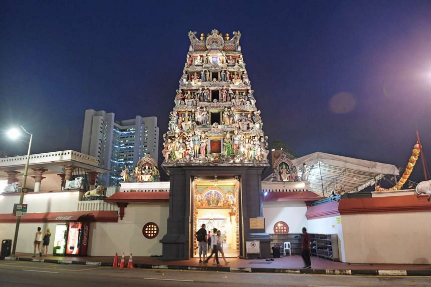 The temple has a tower that crowns its entrance in South Bridge Road, featuring an ornate five-tiered structure carved with images of Hindu deities, abstract floral decorations and other figures.