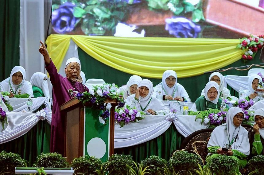 Spiritual leader of Parti Islam SeMalaysia (PAS) Hashim Jasin giving a speech at the opening ceremony of the PAS Women's annual congress in Kedah.