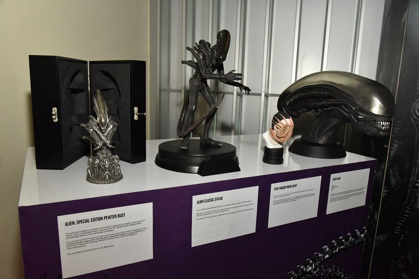 Third from left is a microbust featuring the facehugger alien in action.