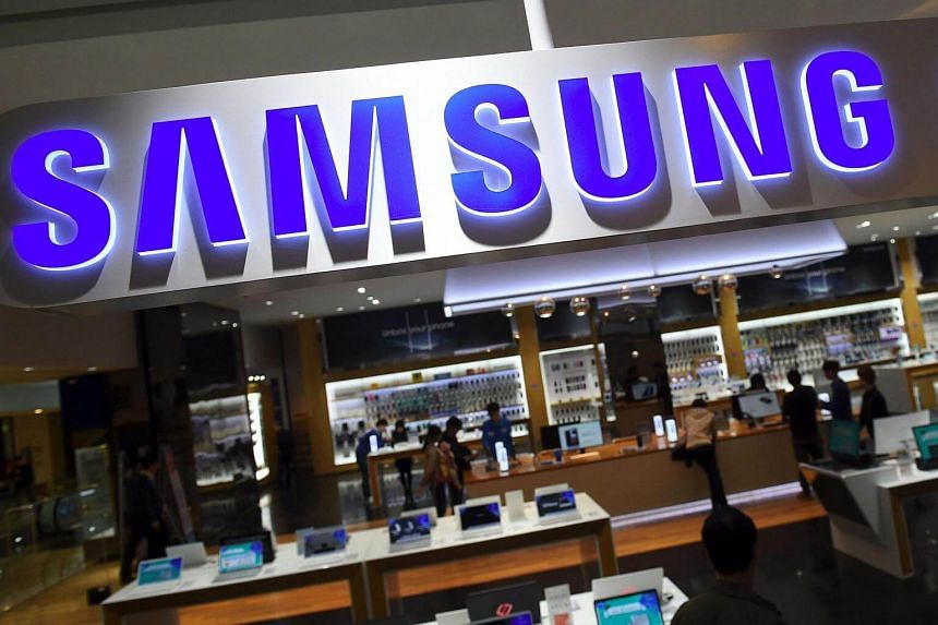 Samsung will pay a dividend of 7,000 won, the first time it has made a quarterly payout.