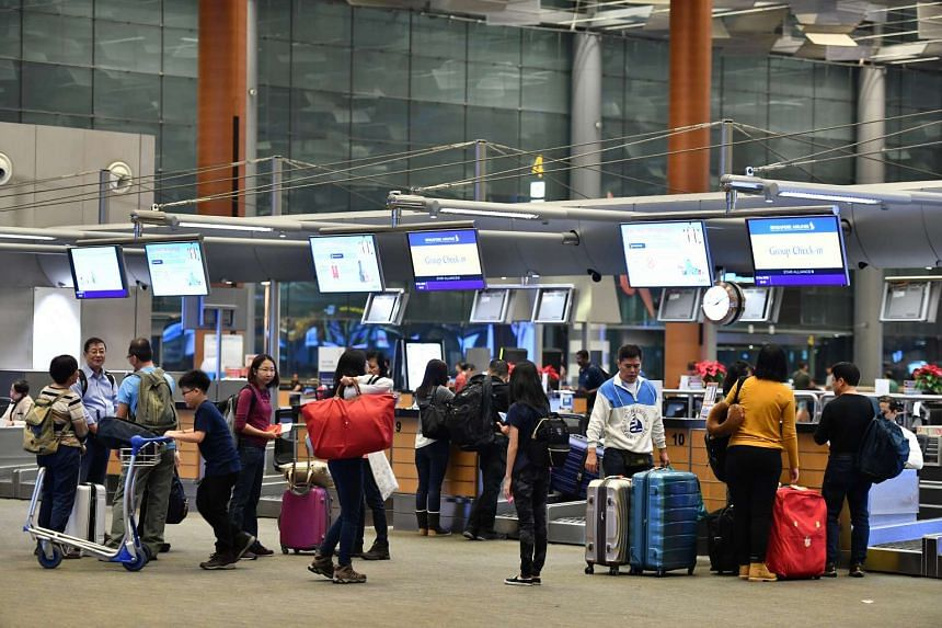 Two in five Singaporeans make their travel bookings four weeks or less before departure, according to a report.