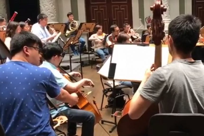 A glimpse of soloist Lim Yan leading re:sound from the keyboard.