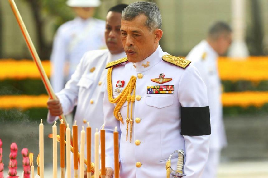 Thailand's King Maha Vajiralongkorn Bodindradebayavarangkun pays his respect to the monument of King Rama I after signing a new constitution in Bangkok, Thailand on April 6, 2017.