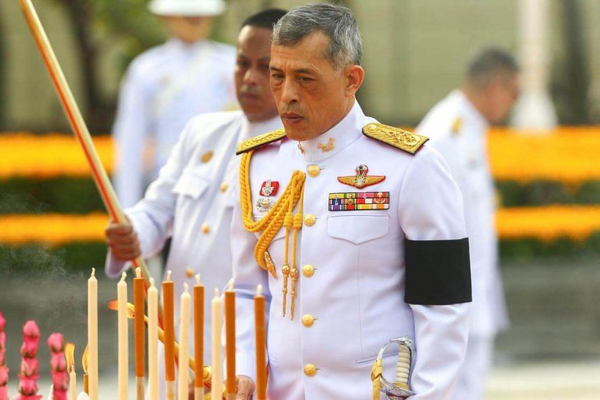 Thailand's King Maha Vajiralongkorn Bodindradebayavarangkun pays his respect to the monument of King Rama I after signing a new constitution in Bangkok, Thailand on April 6, 2017.