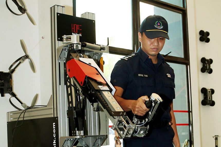 This mechanical arm is an early concept of the SCDF exoskeleton that is currenly being developed.