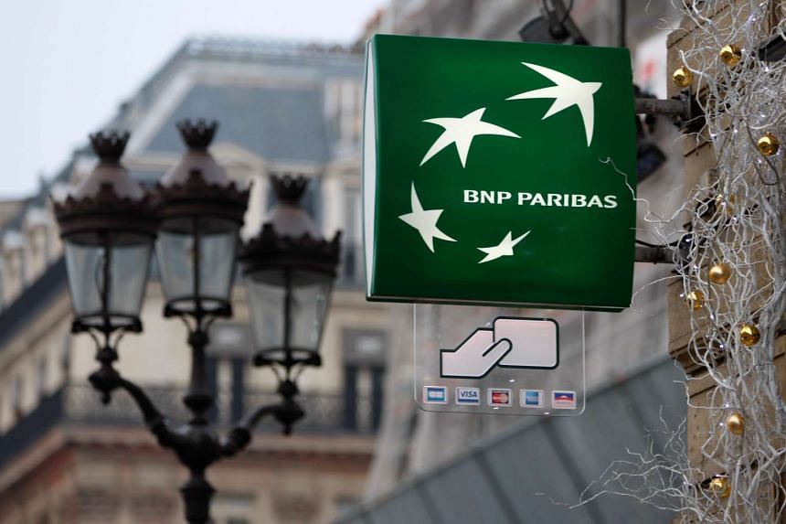 The bank's net income rose to 1.89 billion euros (S$2.88 billion) in the first quarter.