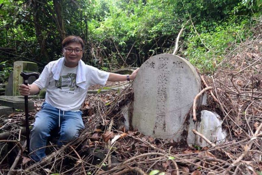 Last month, tomb hunter Raymond Goh uncovered in Bukit Brown the grave of Mr Neo Chan Guan, the main contractor behind the national monument Chong Wen Ge.