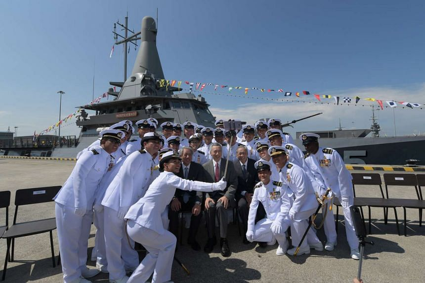 PM Lee Hsien Loong taking a wefie with the Singapore navy.