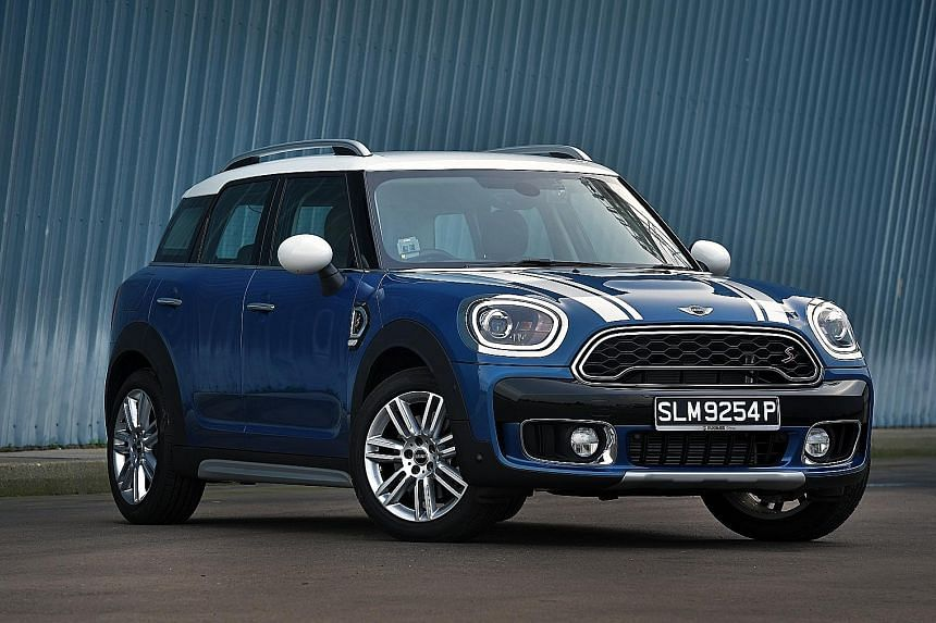 The Cooper S Countryman is endowed with a generous spread of torque. It also has dual tailpipes and an additional extrusion on its rear finished in high gloss.