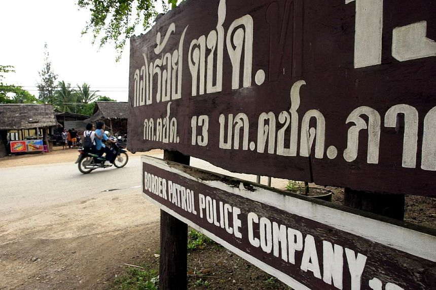 A drug smuggling attempt near the Thai-Myanmar border turned deadly after a firefight with Thai security forces left nine suspects dead.