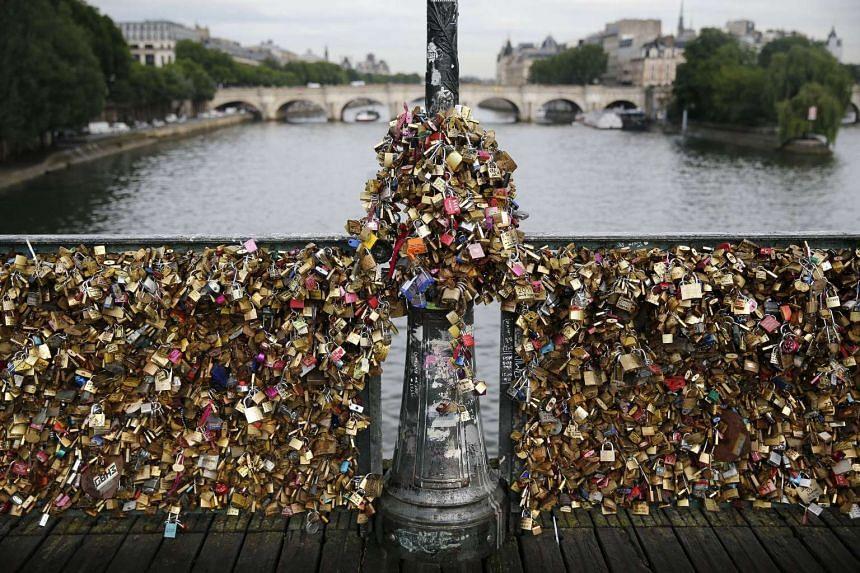 Love padlocks paris