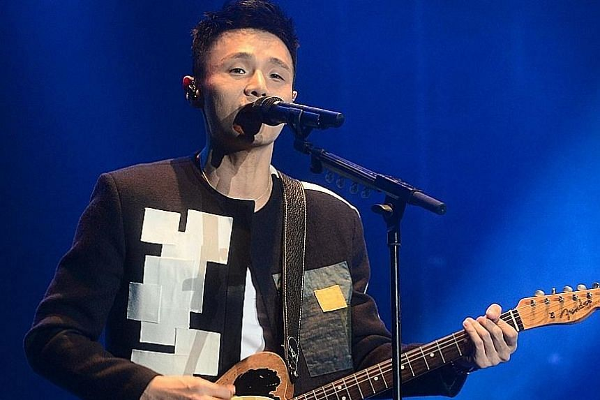 Li Ronghao treated concertgoers to his radio hits as well as renditions of songs by Hong Kong's Four Heavenly Kings and Singapore's JJ Lin and Stefanie Sun.