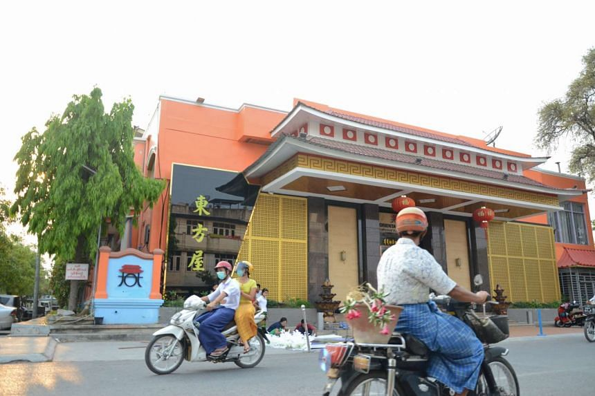 A new Chinese restaurant in the suburbs of Mandalay.
