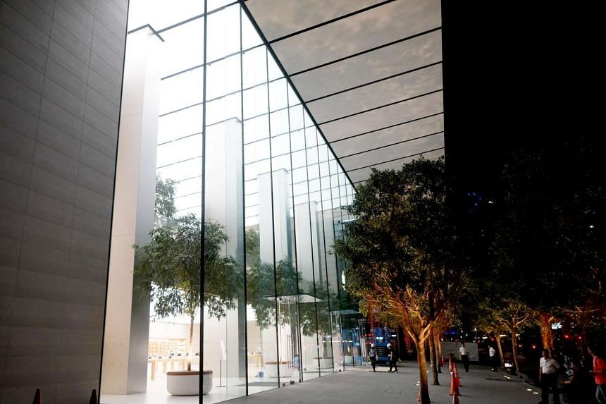 The Apple Orchard Road store's wallpapers were removed to show the store's interior.