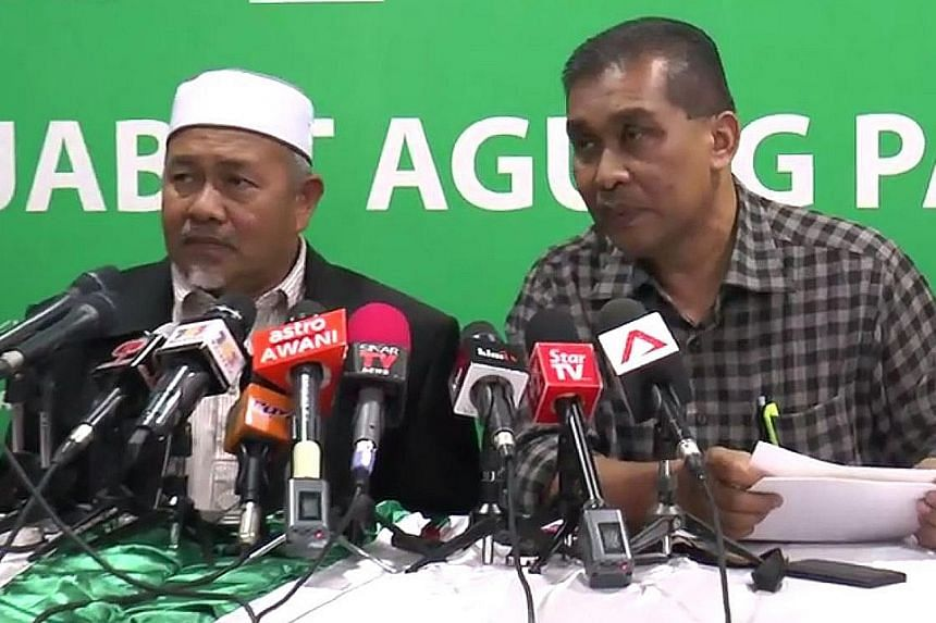 PAS deputy president Tuan Ibrahim Tuan Man (left) and secretary-general Takiyuddin Hassan at a press conference last week, where the former said the appointment of state exco members was done at the Sultan's pleasure.