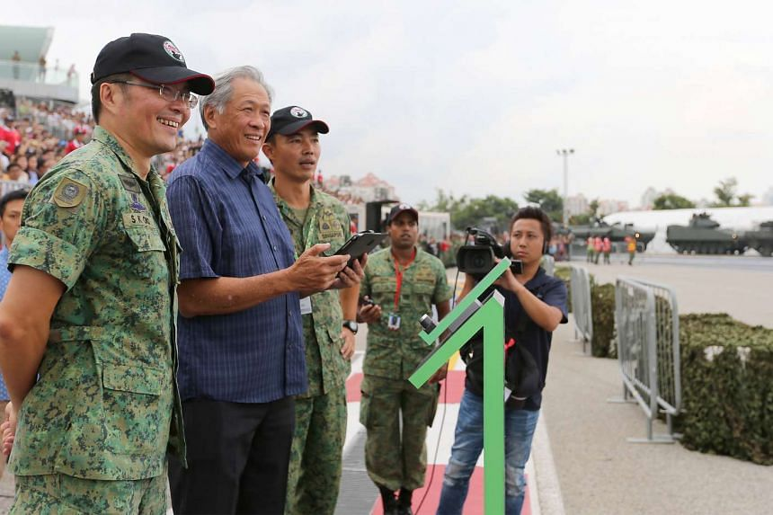 (From left) BG Chua Boon Keat, Dr Ng Eng Hen and MG Melvyn Ong at the Army Open House on May 27, 2017.
