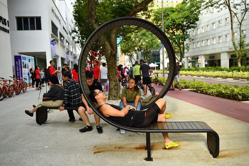 The Loop bench designed by NAFA student Huang YeRen, 25, at Bencoolen Street.