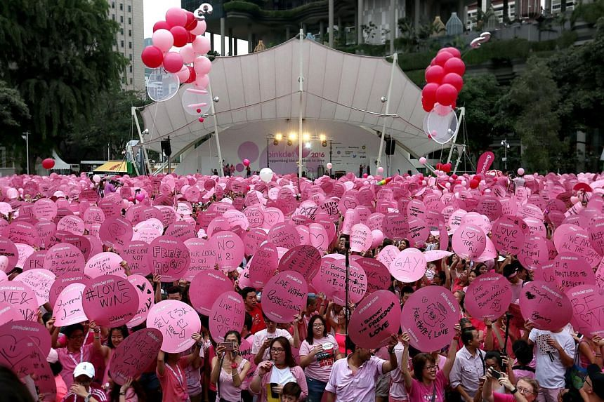 """Hong Lim Park was awash in pink in the evening of Jun 4, 2016 as thousands turned up for the annual event promoting the """"Freedom to Love""""."""