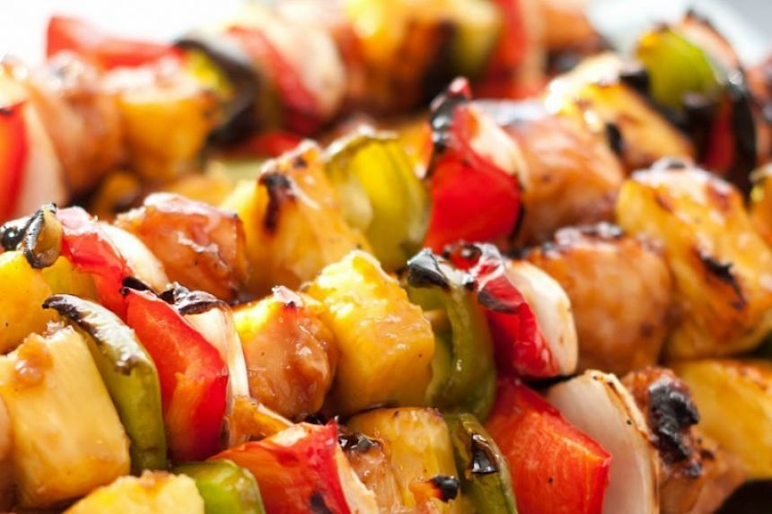 Tips to eating healthily during Ramadan include reducing oil and sugar intakes.