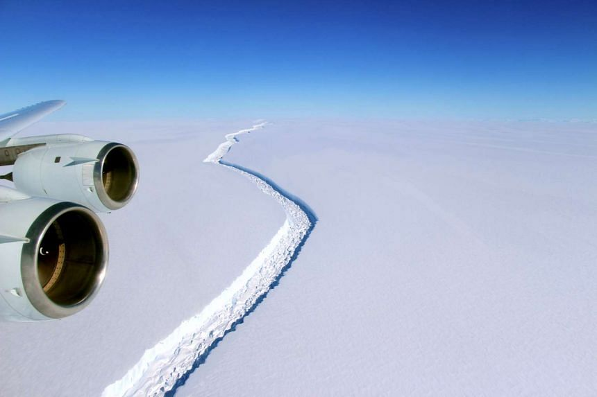 A handout photo made available by NASA on Jan 6, 2017 shows a view of a massive rift in the Antarctic Peninsula's Larsen C ice shelf, Antarctica on Nov 10, 2016.