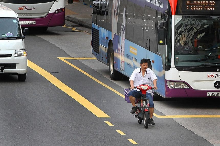 E-biker users spotted in Geylang riding in the bus lane and going against traffic. E-bikes came into the spotlight after a number of tragic accidents last year.