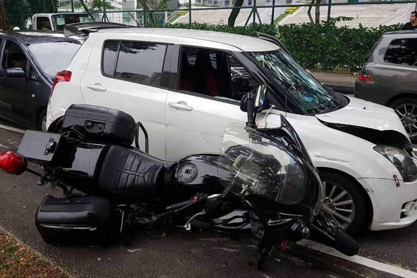 Four vehicles, including a Traffic Police motorcycle, were involved in an accident while a Traffic Police officer was pursuing a male driver on Tuesday (June 6).