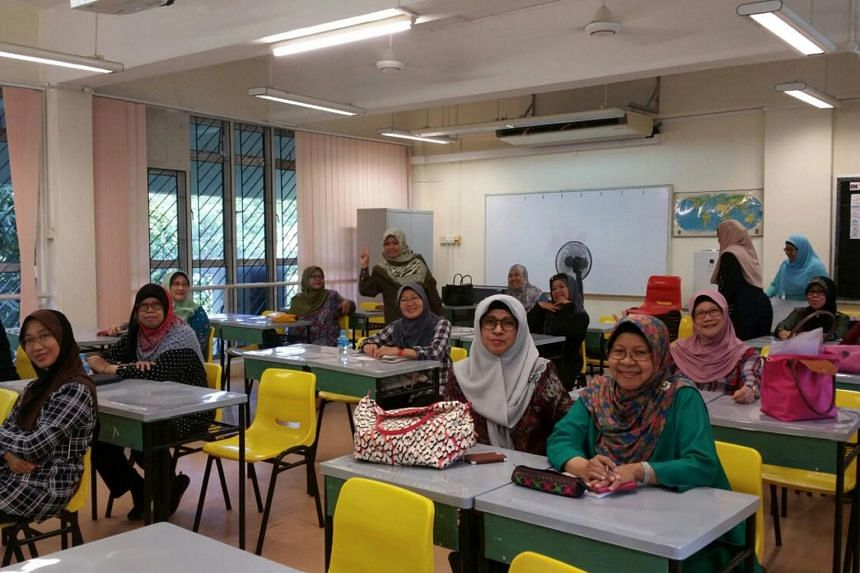 A course being conducted in Malay at IDA's IT Silver Fest 2016 at ITE.