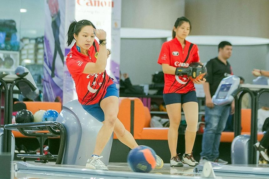 National bowler Jazreel Tan believes all the pressure will be on Malaysia as the hosts and favourites when Singapore travel to Kuala Lumpur for the SEA Games.
