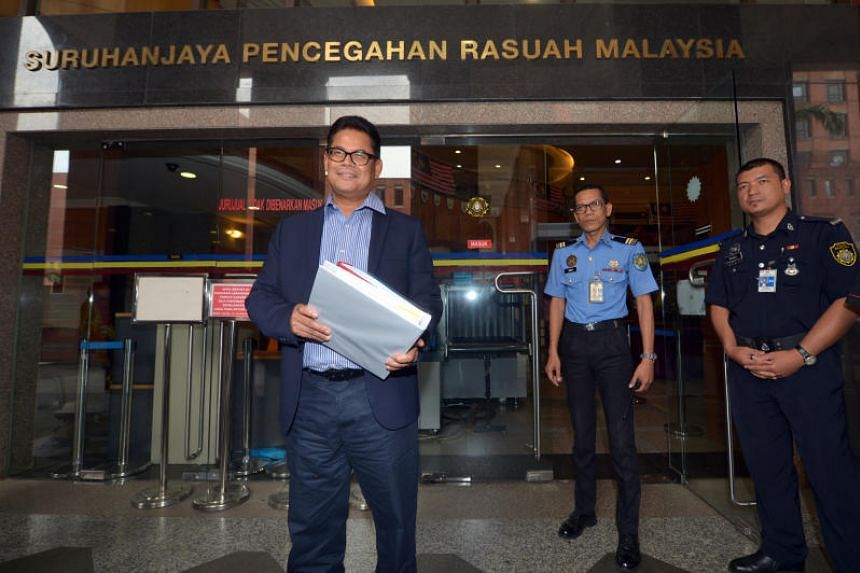 President and CEO of Felda Global Ventures Holdings Bhd, Datuk Zakaria Arshad, arriving at the headquarters of the Malaysian Anti Corruption Commission to assist in investigations into alleged improprieties involving the company on June 7, 2017.