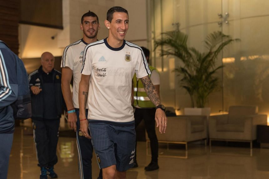 Paris Saint-Germain midfielder Ángel Di María smiling for the cameras at the JetQuay CIP Terminal on June 10, 2017.